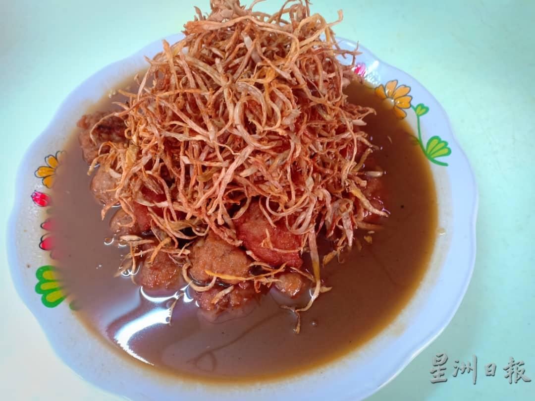 材料十足的姜丝红酒鸡。