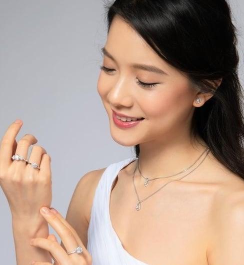 林宣妤早前接下一个钻饰广告,4天前才在IG分享美照。